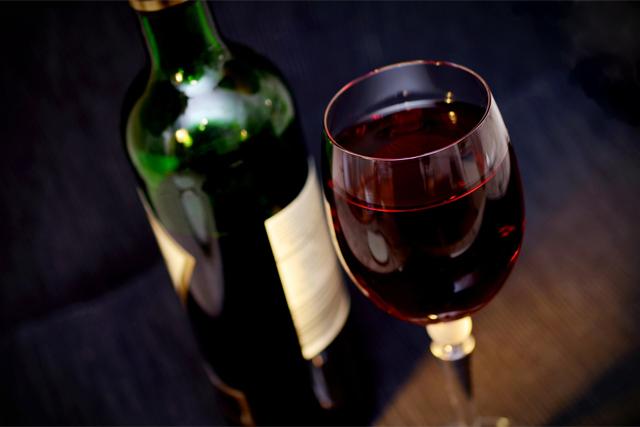 ワインの買取なら知識と経験豊富な【SATEeeeお酒買取】にお任せ!